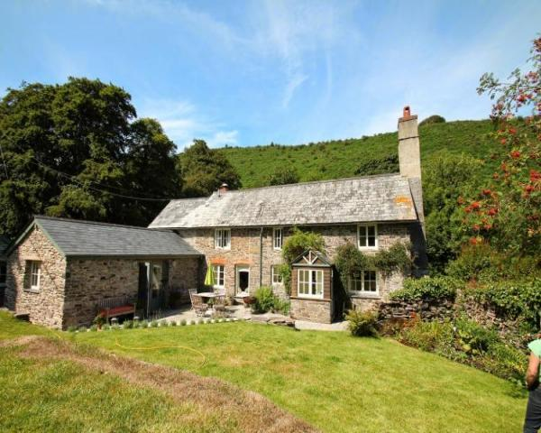 holiday cottages dog friendly, pet friendly holiday, dog friendly short breaks, dog friendly exmoor holiday