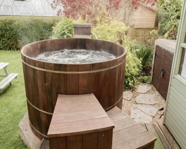 holiday cottage hot tub, exmoor cottages hot tub, exmoor cottages pool, exmoor swimming pool, exmoor cottages with swimming pool