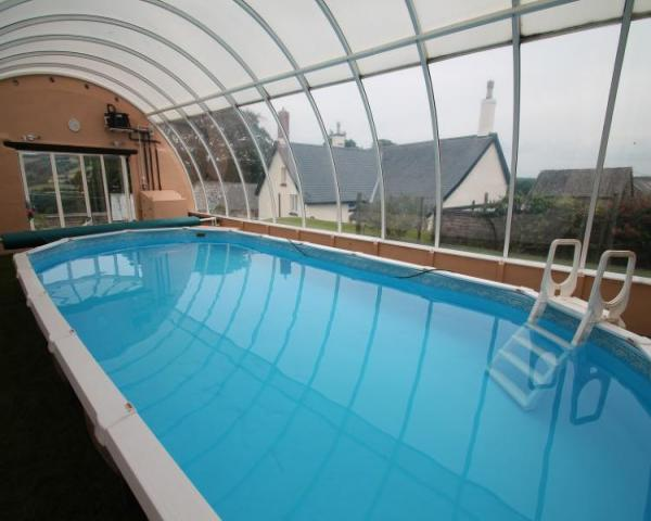 self catering hot tub, self catering swimming pool exmoor, exmoor cottage with hot tub, exmoor self catering with swimming pool