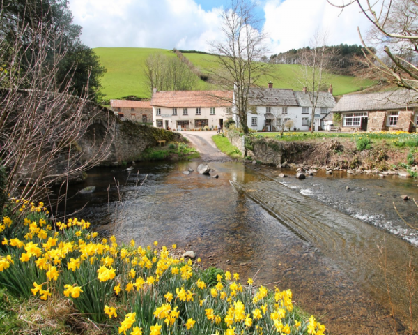 easter break devon, easter break somerset, holiday cottage for easter, easter 2020 cottage, holiday cottage for easter