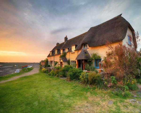 self catering somerset may, accommodation may day holiday, somerset may day, devon may day, bank holiday accommodation