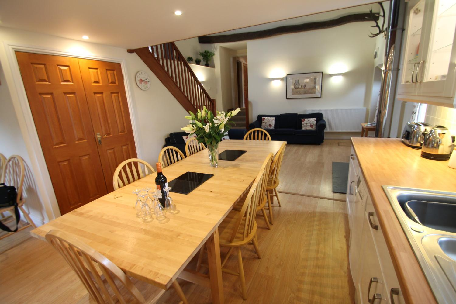 Yenworthy Mill self catering accommodation kitchen