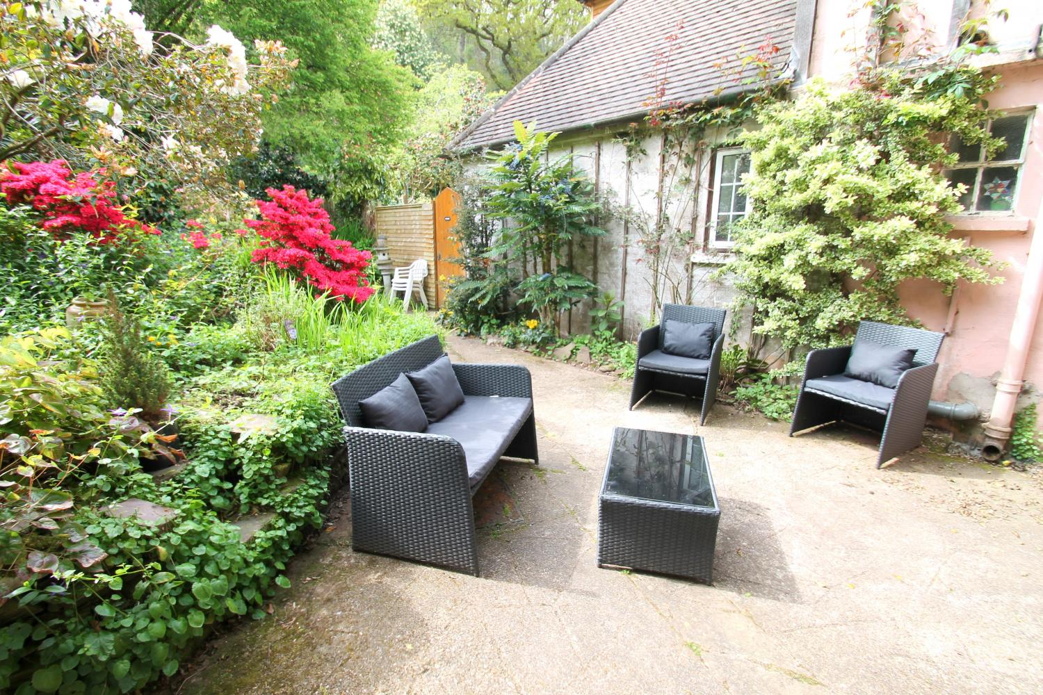 Rear patio with garden furniture