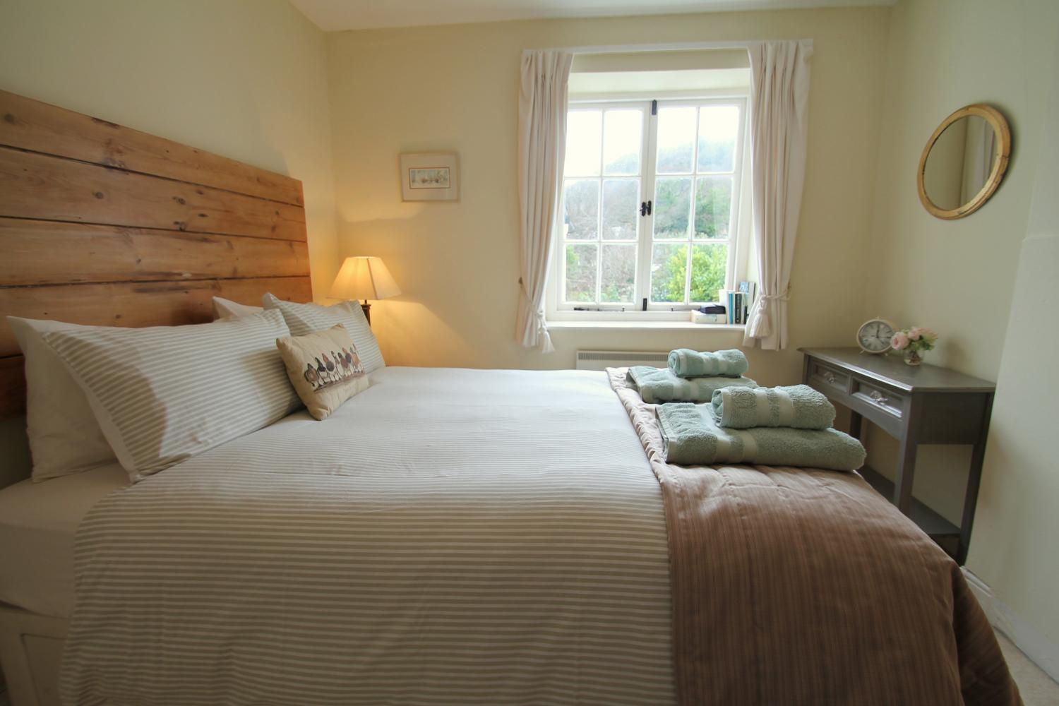 No 4 Lowerbourne double bedroom