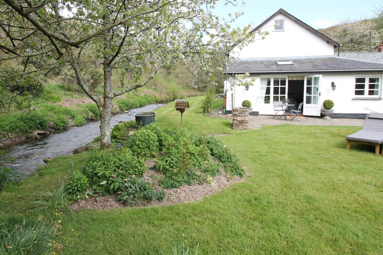 The Folly with riverside garden