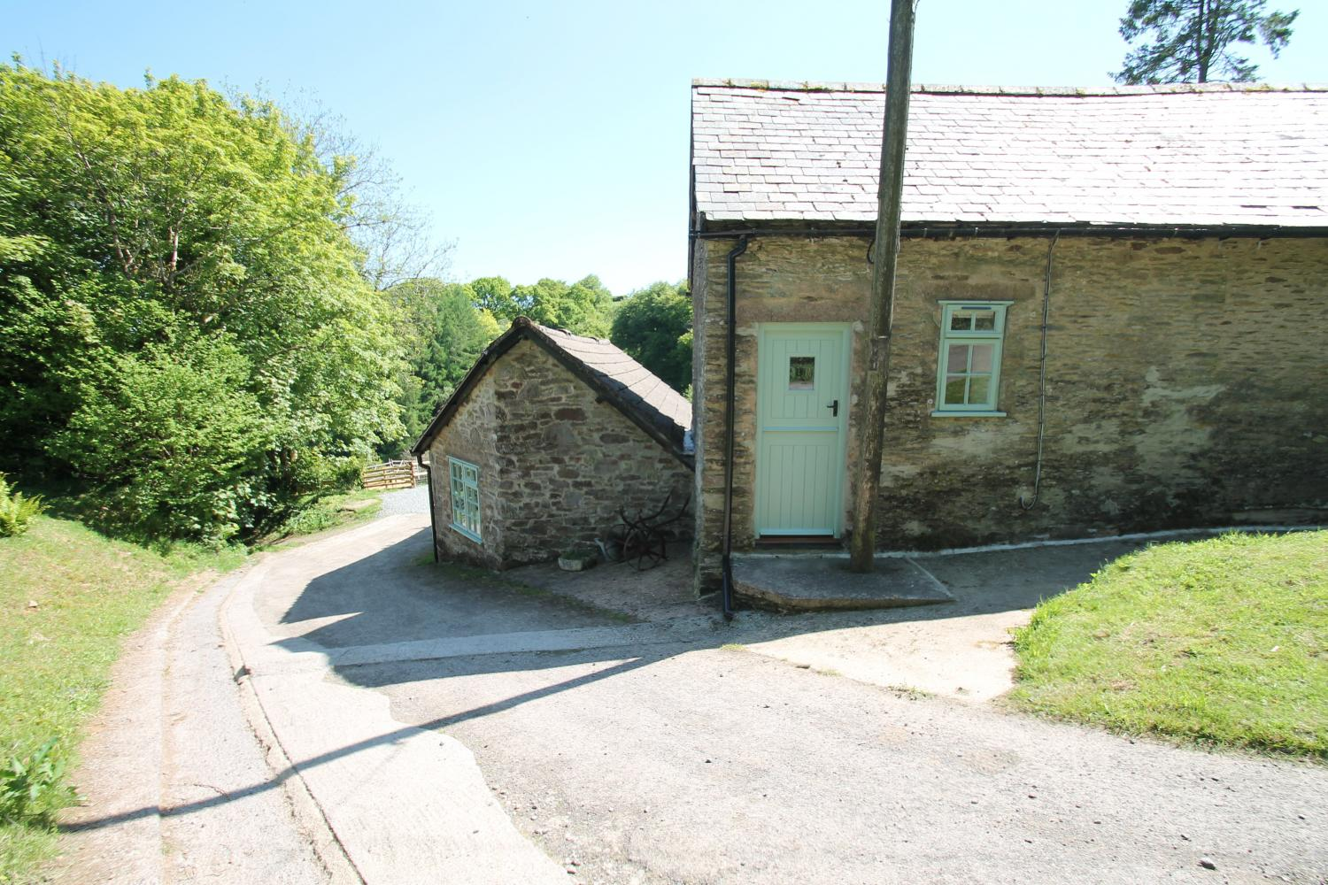 Rear entrance to Grooms Cottage