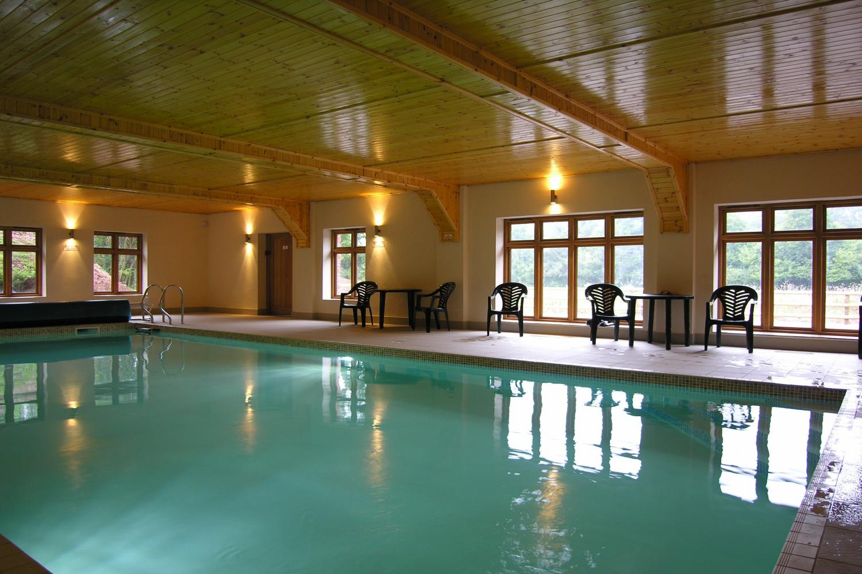 Heated Indoor pool heated & Spa Bath