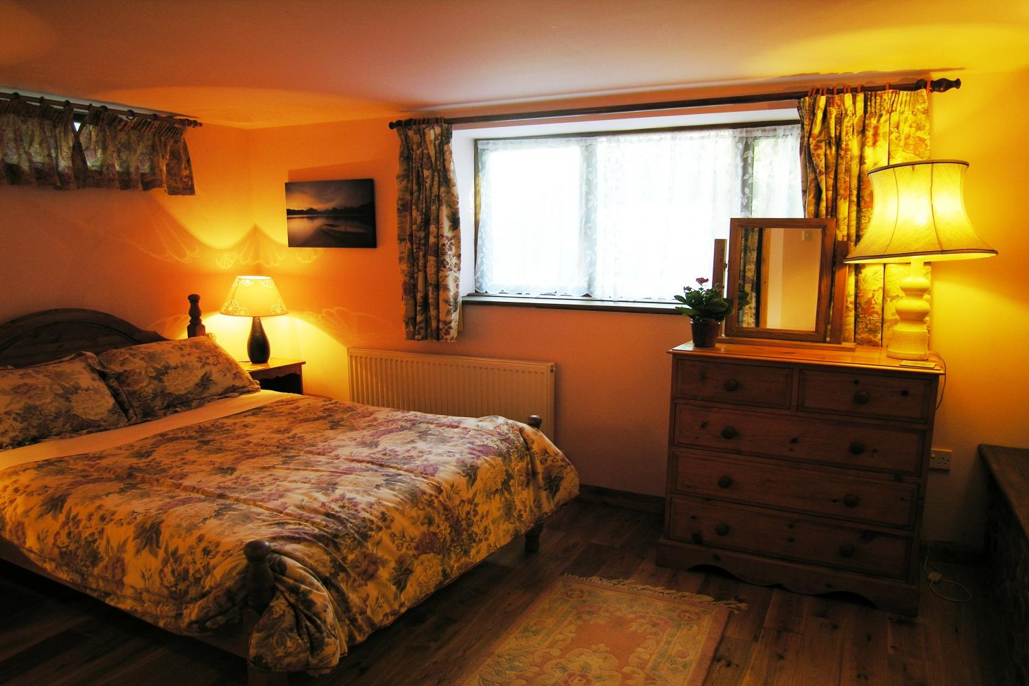 Luccombe Double Bedroom