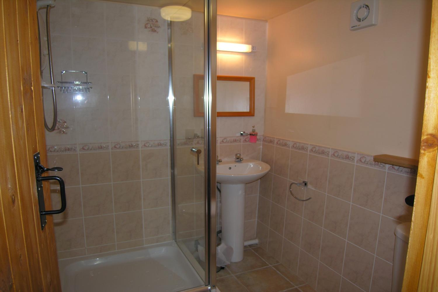 Luccombe Ensuite Shower Room