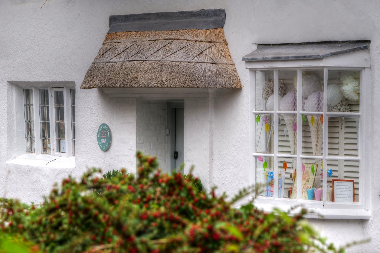 A chocolate box cottages