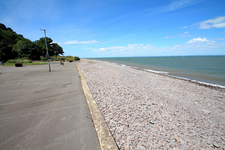 Beach towards Culvercliffe.