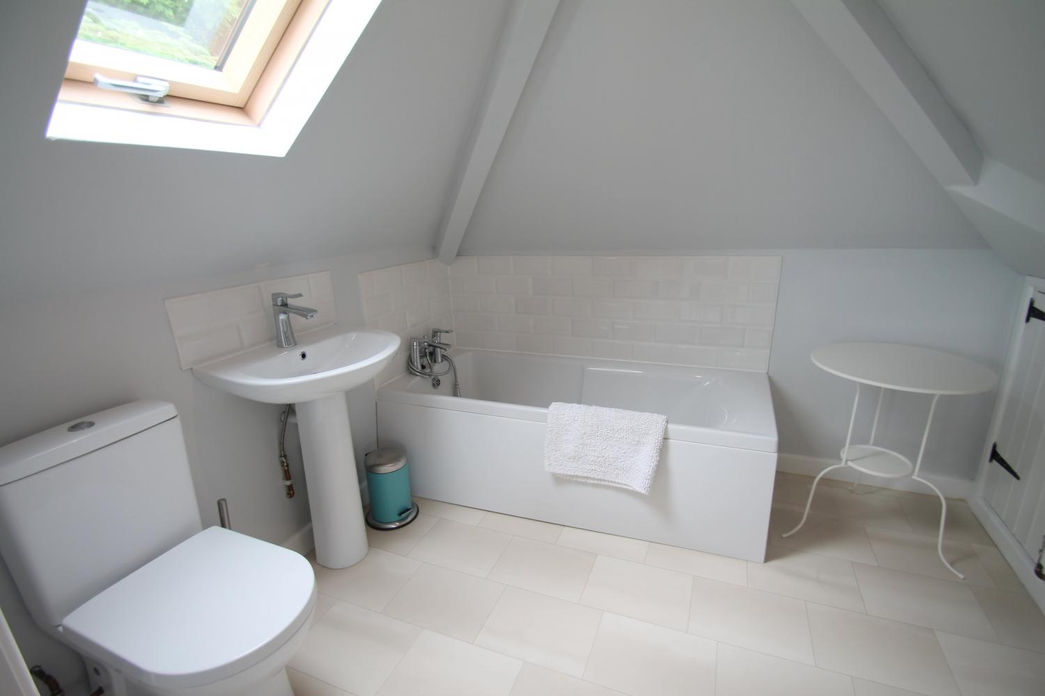 First Floor En-suite Bathroom