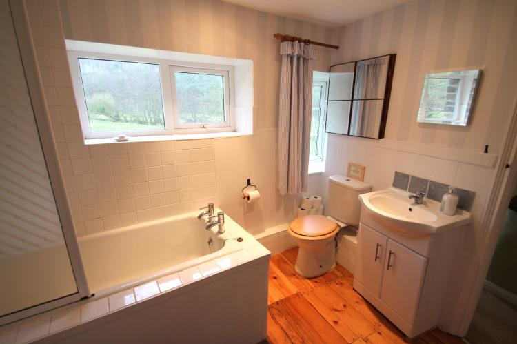 Family bathroom with views from the shower!