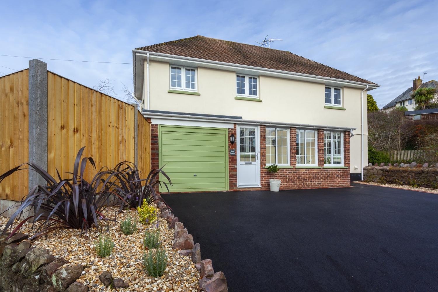 Barn Cottage with ample parking on the drive
